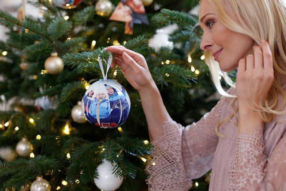 Immagini Natalizie Libere.Decorazioni Natalizie Fai Da Te L Attrazione Del Vostro Albero Di Natale Ifolor