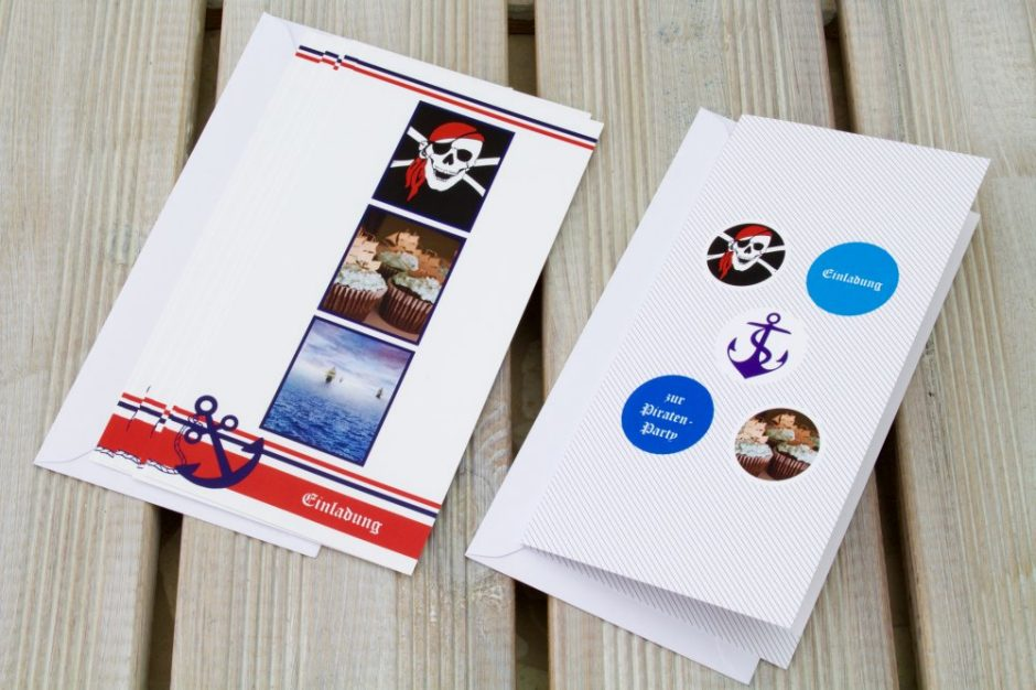 A fitting photo invitation is a must for the pirate party guests