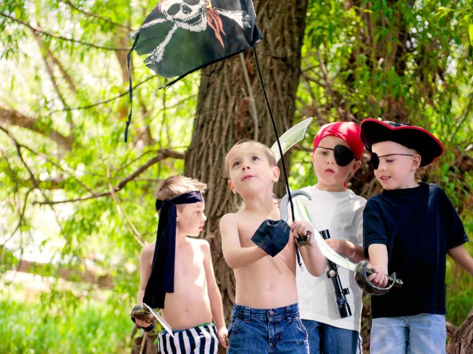 The little pirates will be sure to have fun on their adventure searching for the hidden treasure