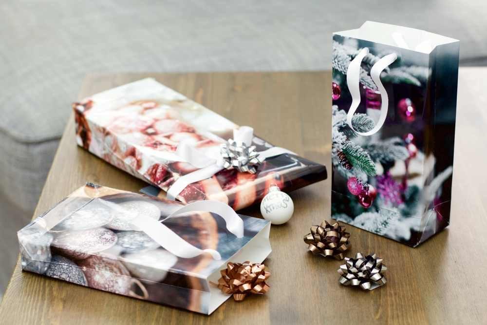 r alisez une pochette cadeau personnalis e avec vos photos ifolor. Black Bedroom Furniture Sets. Home Design Ideas