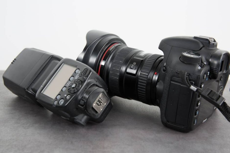 Photo of a shoe mount flash