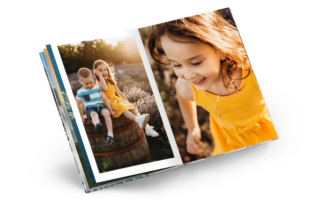 The superlative among photo books: Design your Photo Book Premium Photo Paper.
